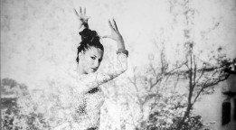 Instantes de Pasión: Los Retratos Flamencos de Estela García